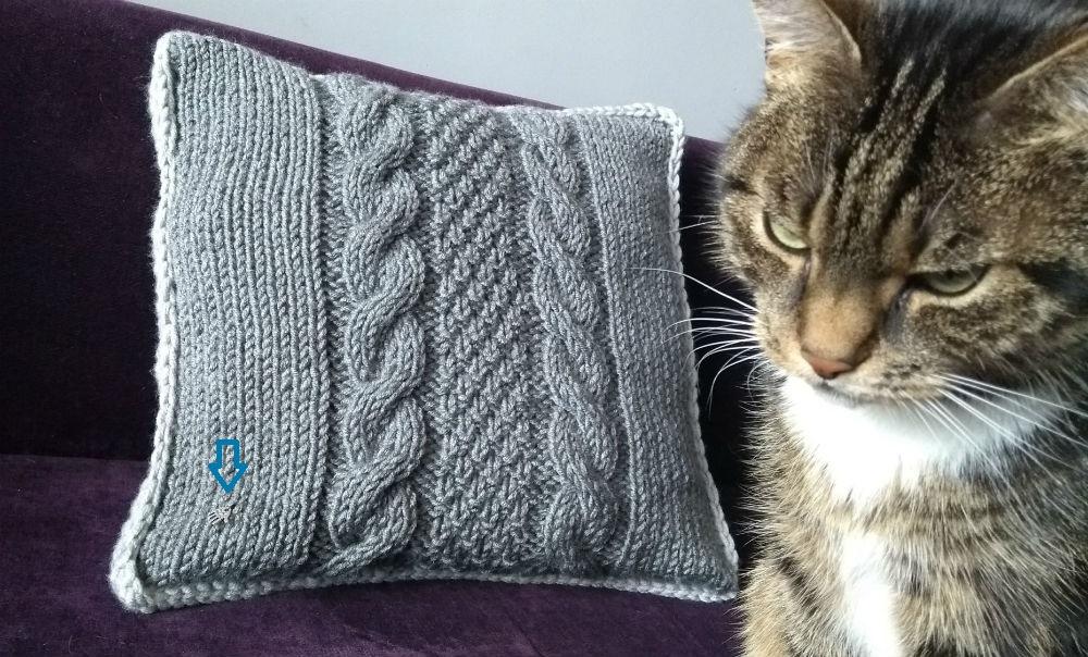 poduszka na drutach z warkoczami