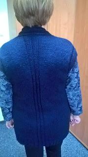 prosta kamizelka na drutach
