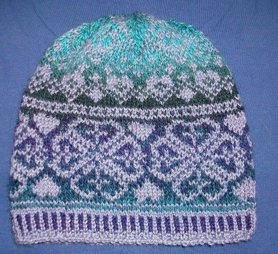 czapka z żakardem