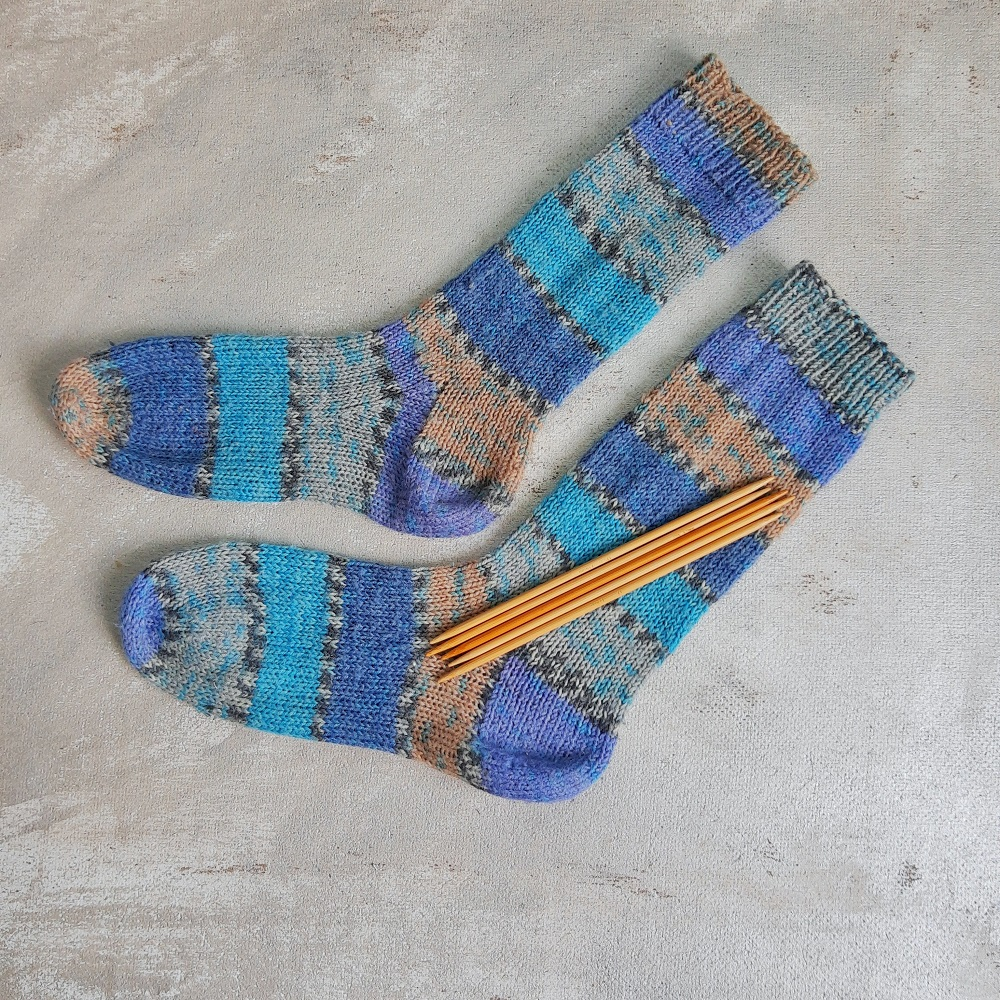 jak zrobić skarpetki na drutach